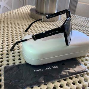 Marc Jacobs Black Novelty Side CatEye Sunglass NWT
